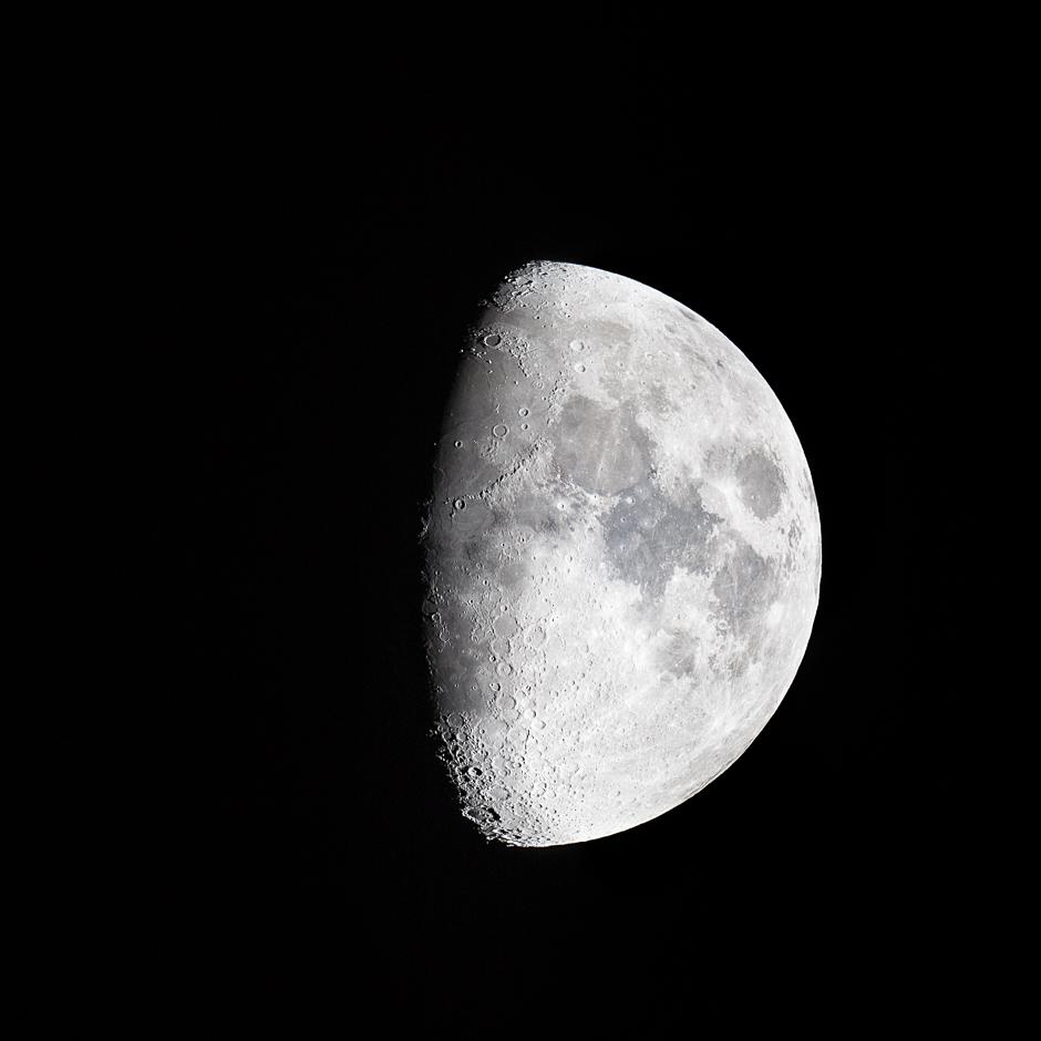 The Moon Tonight 27th April 2015